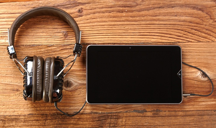 Treat Your Ears To 19 Of The Best Marketing Podcasts